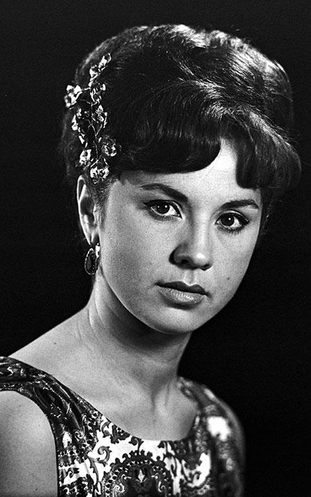 лионелла пырьева биография личная жизнь фото известных актрис моделей
